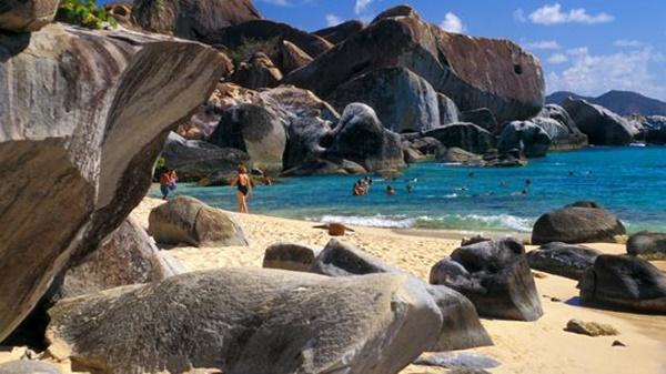 A section of The Baths, Virgin Gorda. Photo Credit: mgmyachts.com