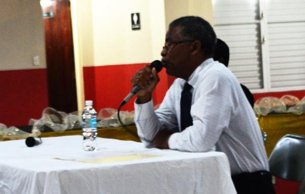 Dr Hubert O'Neal during the community meeting on Virgin Gorda