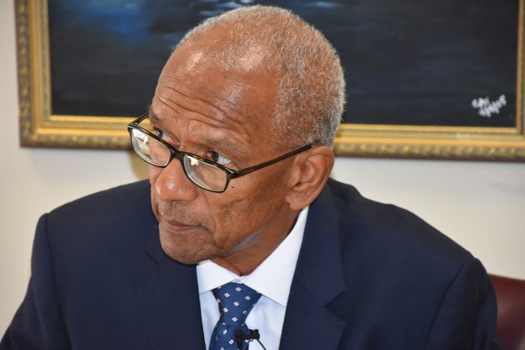 Premier distances himself from UK critics in gov't