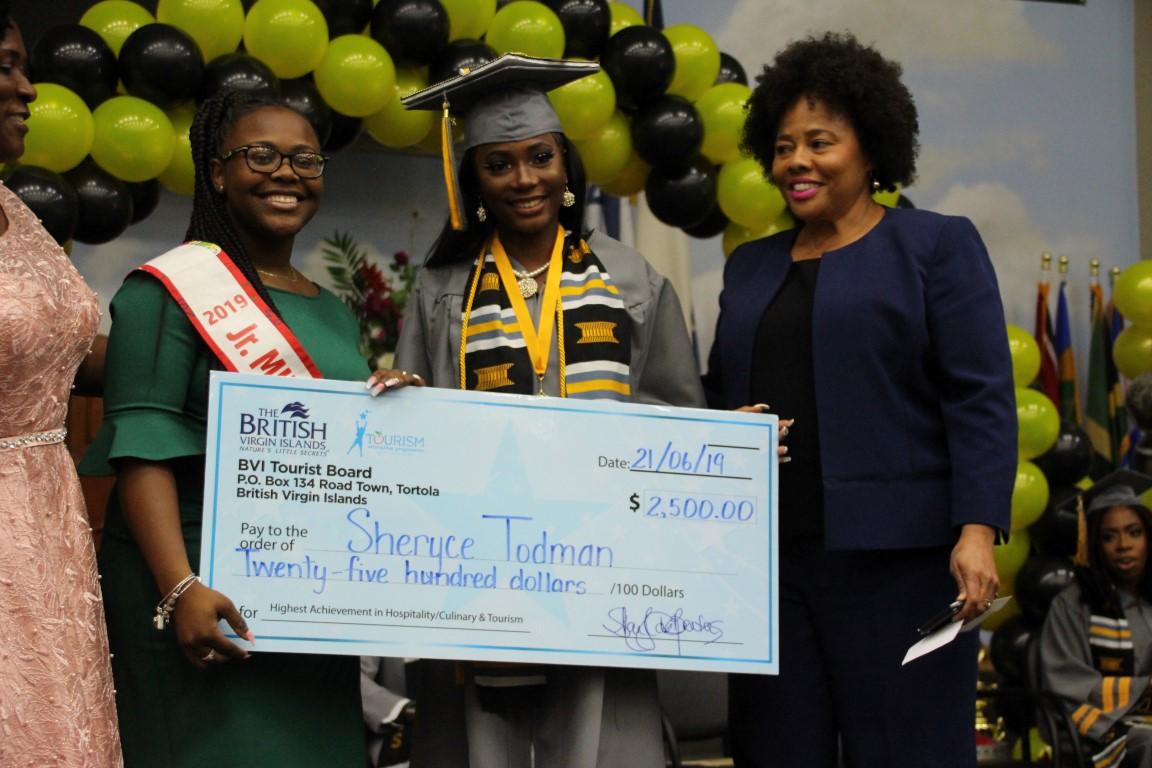 VG females the top graduates at VISTS, 17 exits technical school