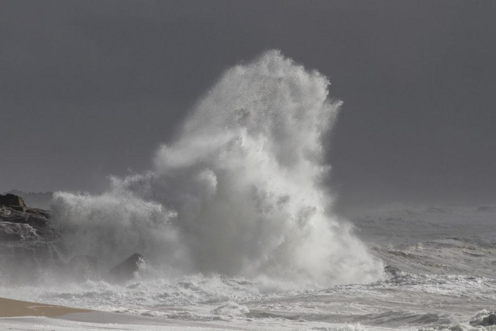 BVI under high surf warning, beachgoers advised to keep away from sea