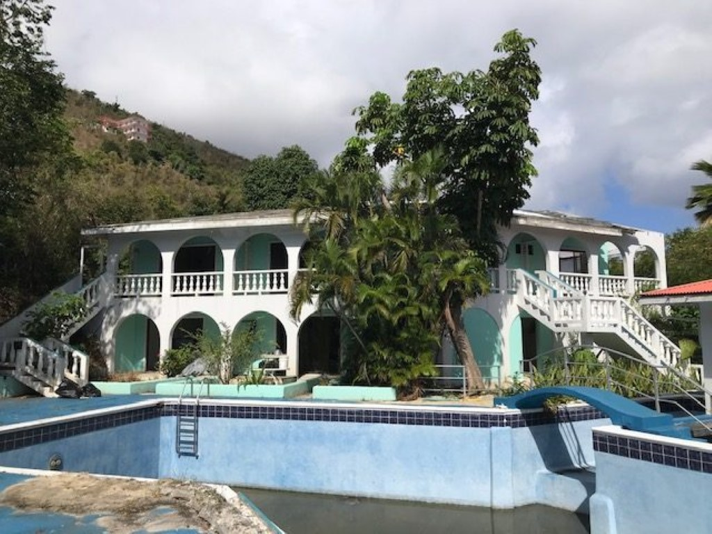 Hurricane-ravaged hotel being sold | Tamarind Club on the market for $750K