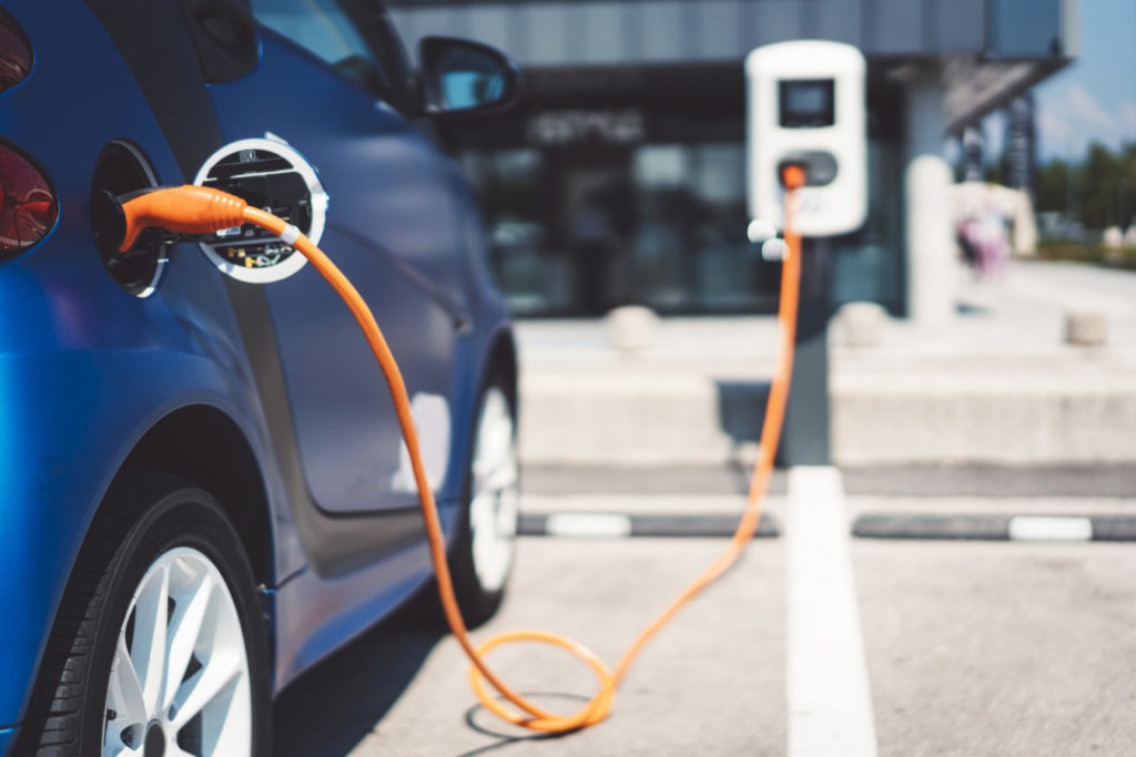 Gov't to implement 'no import tax' policy for hybrid vehicles and clean energy systems