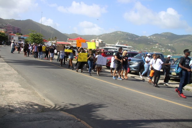 Opposition backs call for protest against gov't for tourism protocols